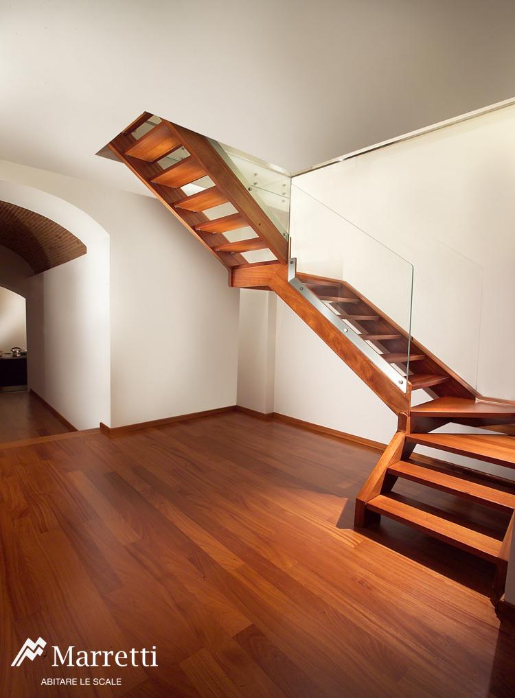 scala-a-sbalzo-in-legno