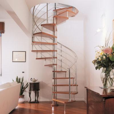 scale a chiocciola in acciaio e gradini in legno