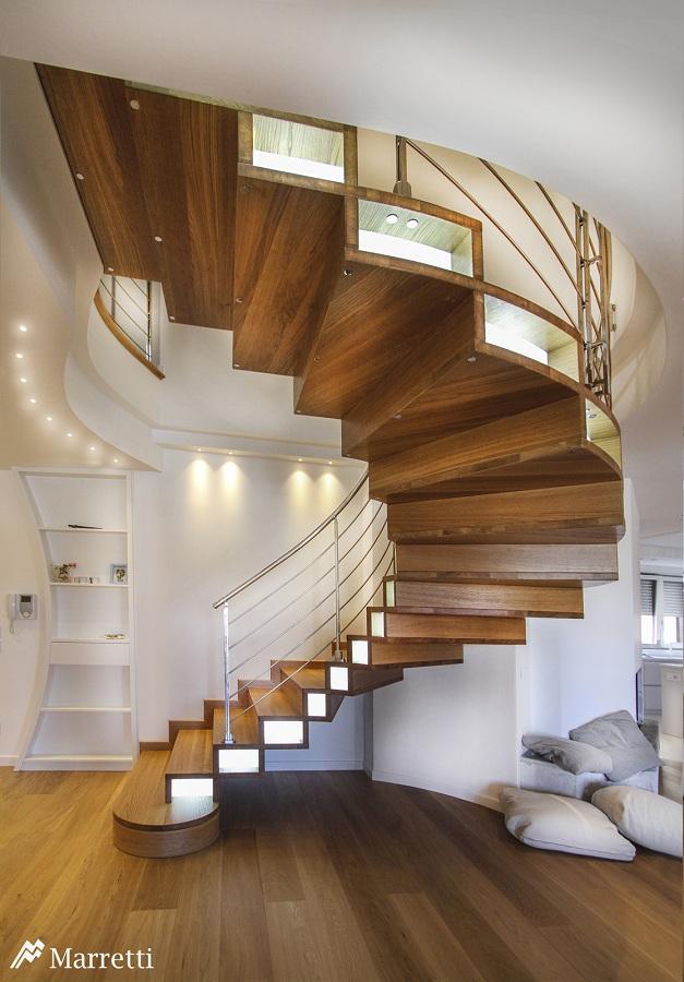 scala-in-legno-con-led